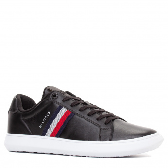 Tommy Hilfiger tennised